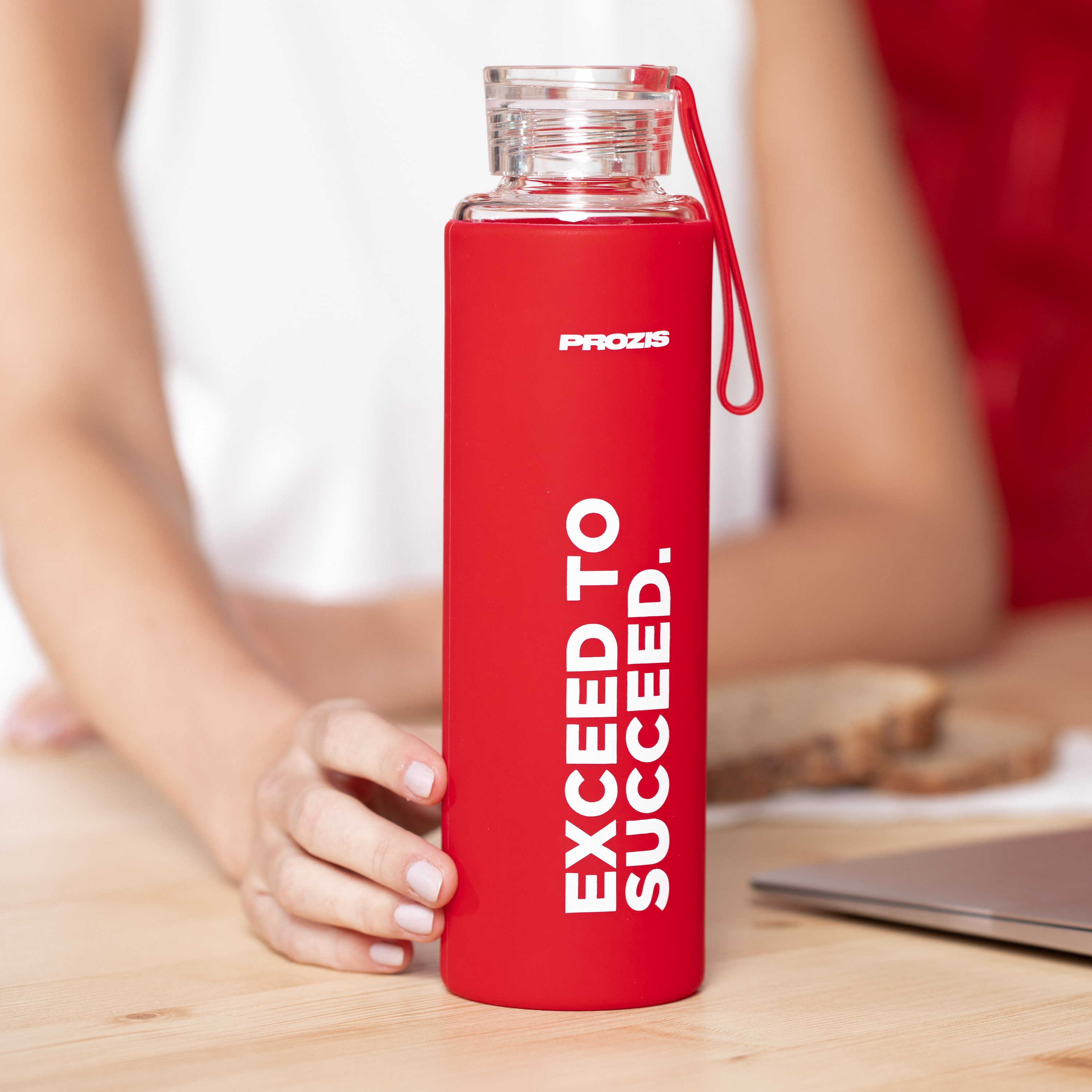 mantra glass bottle red 550 ml home prozis mantra glass bottle red 550 ml