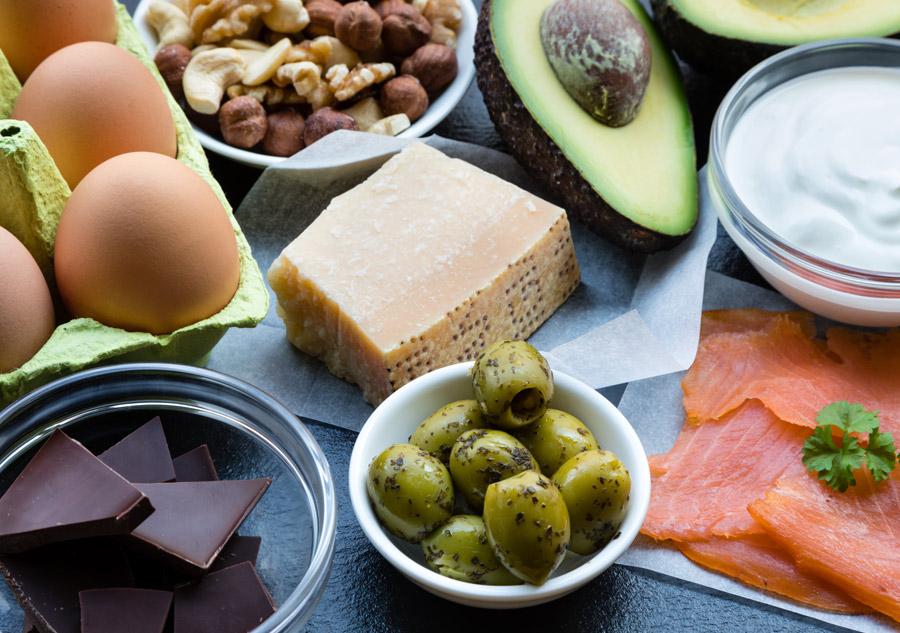 dieta ricca di grassi e proteine e povera di carboidrati